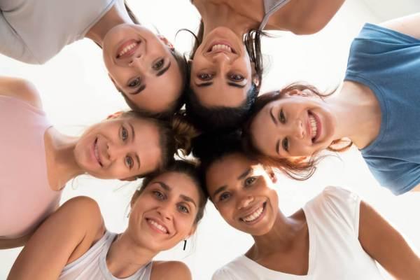 6 razloga zašto je smeh najbolja terapija